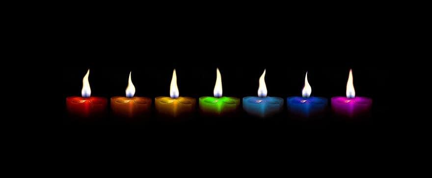 Bougies de plusieurs couleurs